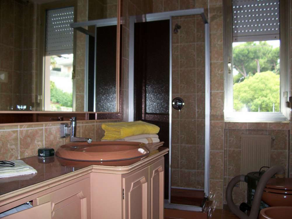 300evro sell a house in Liguria